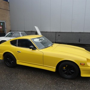 Datsun 240Z bright yellow